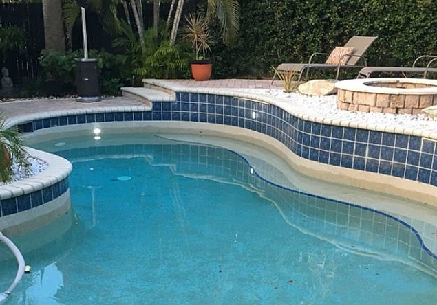 pool water level inconsistency